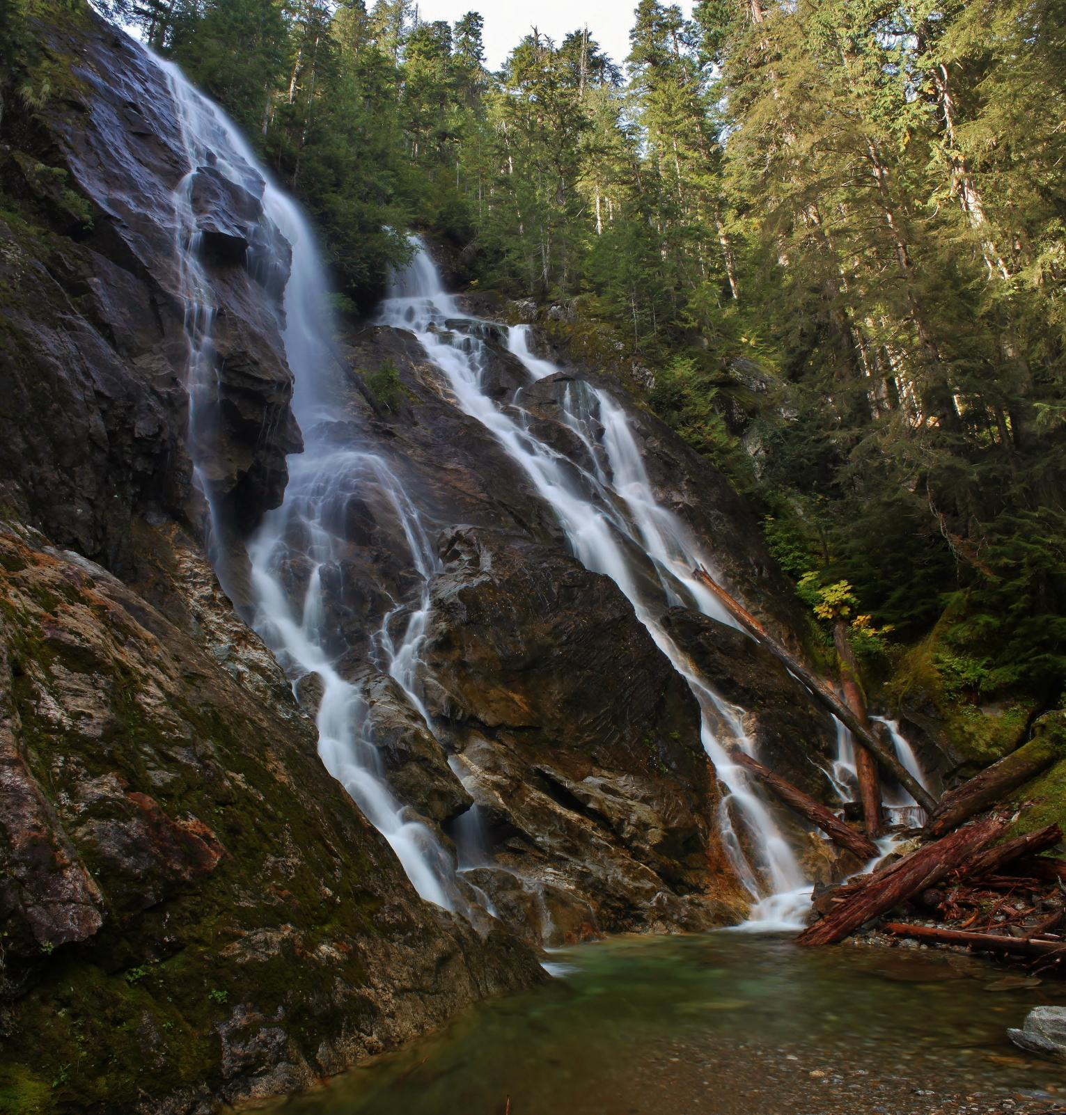 Side view of Lower Cougar Creek Falls